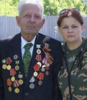 Прикрепленное изображение: гуреева и ветеран.JPG